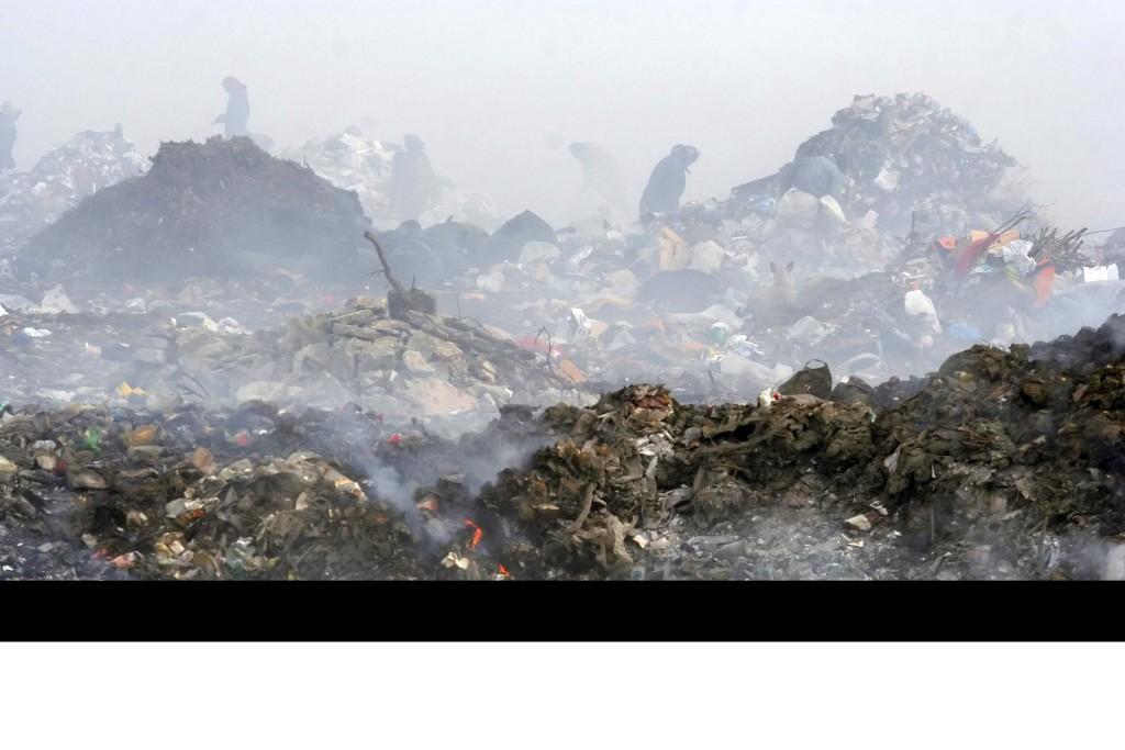 حرق النفايات مشكلة وليست حل