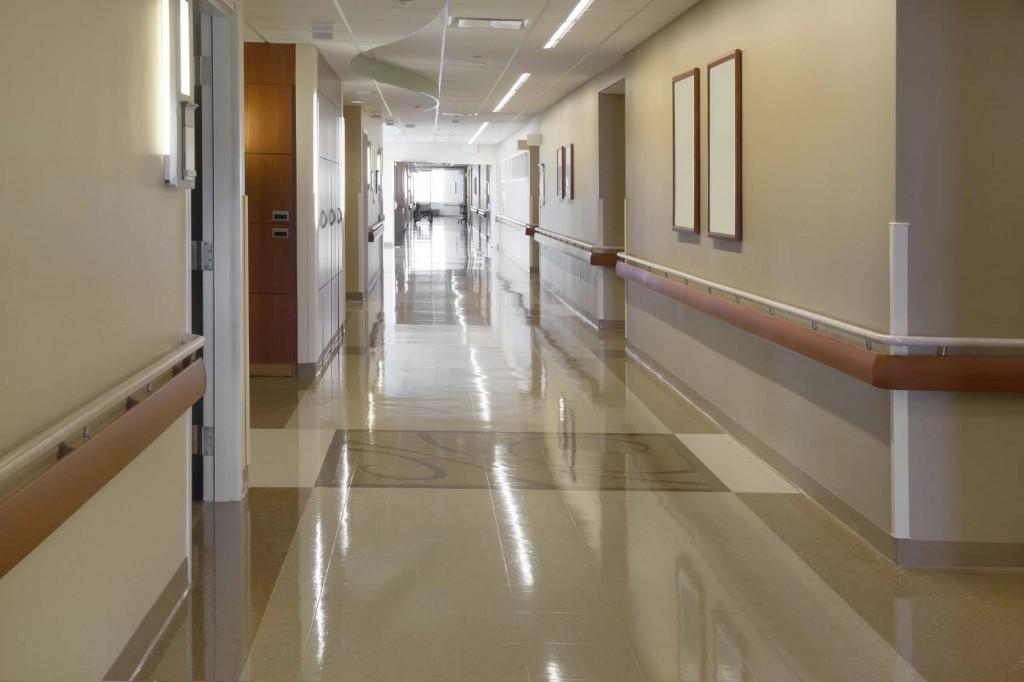 المستشفيات في البنايات السكنية وإدارة النفايات الطبية