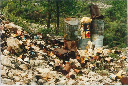 رمي النفايات السامة في لبنان
