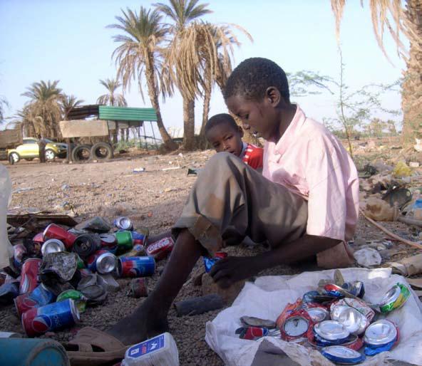 المخاطر الصحية المترافقة لمهنة نبش القمامة في الأطفال