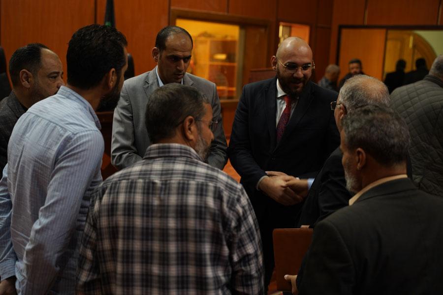 محاضرة بيئية حول الأضرار الصحية والبيئية للمخلفات الطبية بمسرح مدينة الزاوية - ليبيا